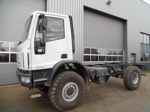 Iveco EUROCARGO 140E24 4x4 Chassis Cab new unused