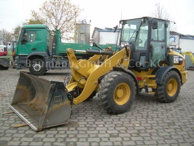 Caterpillar 908 M, Bj. 17, 325 BH, Schaufel, Gabel