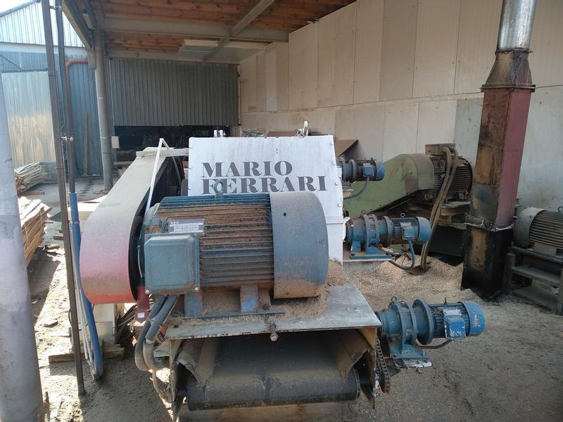 Rozdrabniarka do gałęzi Mario Ferrari. Wood chipper  Mario Ferra